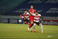 Persija tundukkan Madura United 3-2
